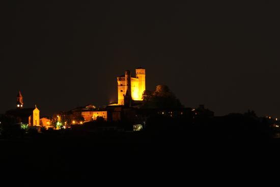 I Grappoli : Serralunga di notte