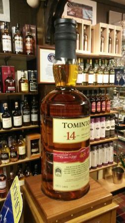 Whisky Castle : Biggest Bottle of Single Malt in the World