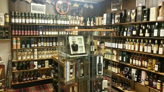 Whisky Castle : Massive selection of Malt Whisky