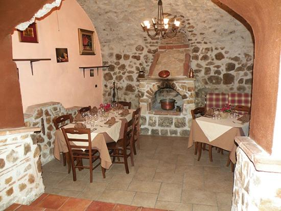 Frasso Telesino, Włochy: Sala Piccola con Caminetto