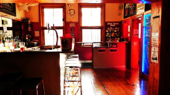Cape Town Backpackers: The bar