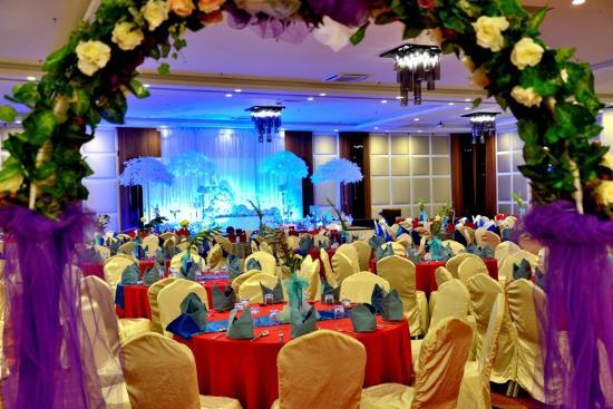 Wedding reception picture of likas square apartment hotel kota likas square apartment hotel wedding reception junglespirit Images