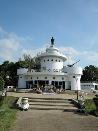 Yuttanavi Memorial Monument at Ko Chang