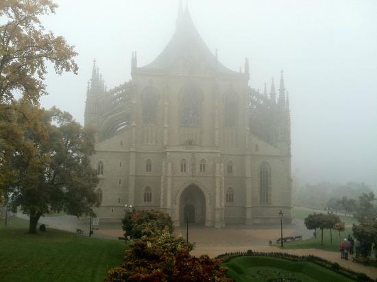 Saint Barbara's Church: Вид на собор