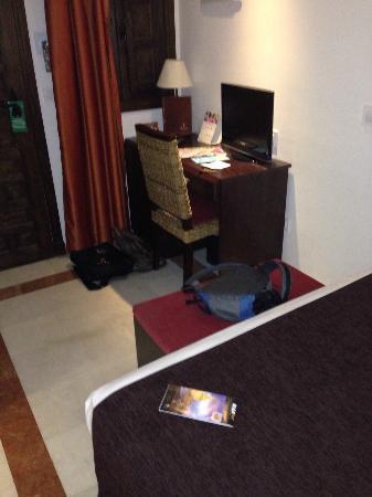 Itaca Sevilla: Habitación enana. Very small bedroom,