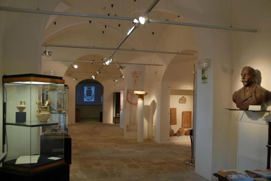 Risultati immagini per museo archeologico di ugento