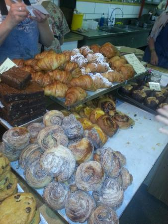 Hart's Bakery: Everything looked so authentic and delicious
