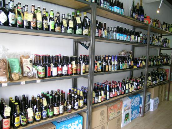 Del Món Beer Shop