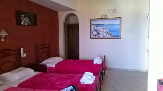 Blue Sky Hotel: *