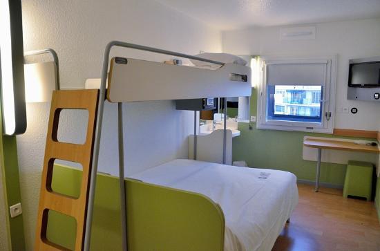 Ibis Budget Marseille Timone: Chambre PMR