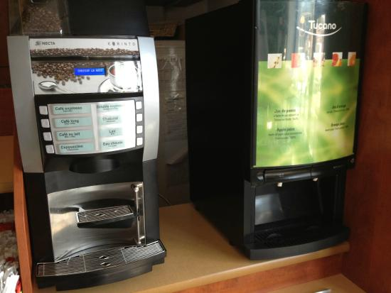 Ibis Budget Marseille Timone: Machines Petit-déjeuner