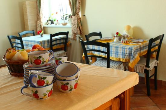 Boulevard City Guesthouse & Apartments: Reggelizőhelyiség / Breakfast room