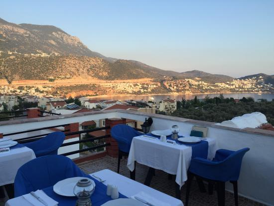 Lizo Hotel : Dine with a view on Lizo Terrace Restaurant