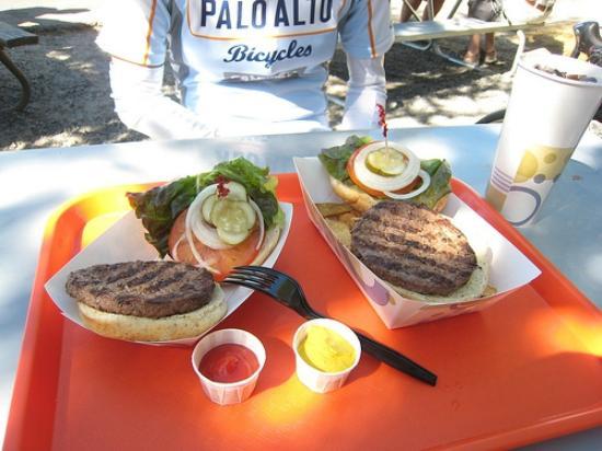 Tuolumne Meadows Grill: Bon Appétit !