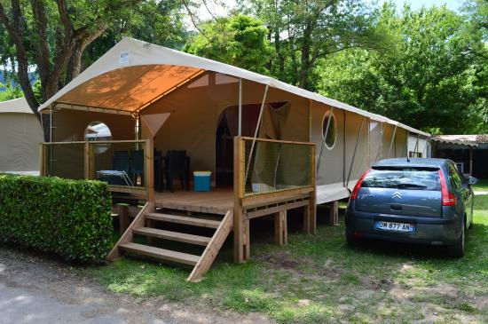 Yelloh! Village Le Pre Lombard: Tente Lodge