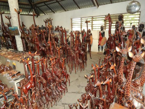 Akamba Handicraft: Showroom