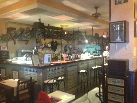 Sopranos : Interior - bar