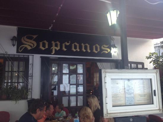 Sopranos : Outside seating area