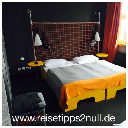 4 bett zimmer bild von superbude hotel hostel st pauli. Black Bedroom Furniture Sets. Home Design Ideas