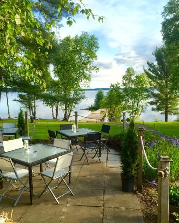 Sundridge, Kanada: A gorgeous shot of the patio at The Northridge Inn!