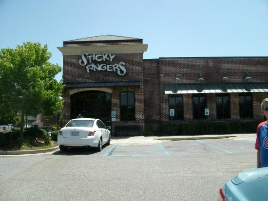 Sticky Fingers: Front of restaurant