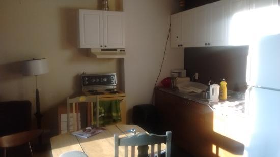 Alexandrie Hostel: Kitchen in the second floor