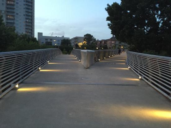 Allen Parkway Loop: photo2.jpg