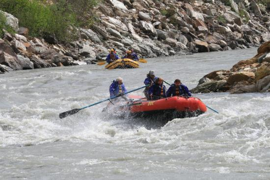 Denali Raft Adventures: Photo taken by a pro that was there with permission.