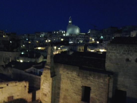 Residence Le Vie Del Mosto : Vista notturna dal balcone