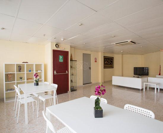 Hostal sans hotel barcellona spagna prezzi 2018 e for Ostelli barcellona centro economici
