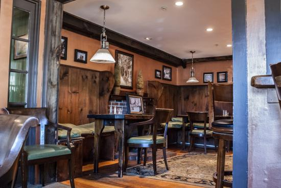 Monadnock Inn: Join us in our cozy pub