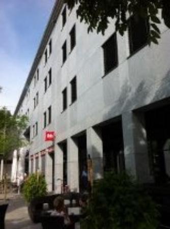 ibis Baar Zug: la facade