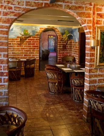 Tubac, AZ: Dining room