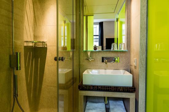 Salle d\'eau chambre de Luxe - Picture of Hotel de Lille, Paris ...