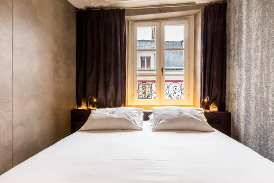 chambre de luxe picture of hotel de lille paris tripadvisor. Black Bedroom Furniture Sets. Home Design Ideas