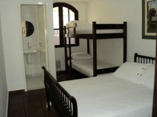 Hostel Marina dos Anjos: Quarto familia
