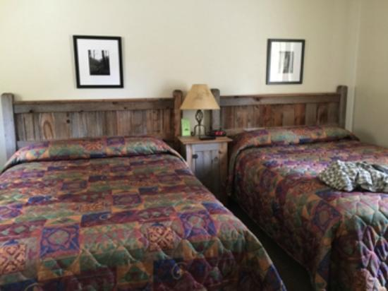 Matterhorn Mountain Motel: beds are comfortable
