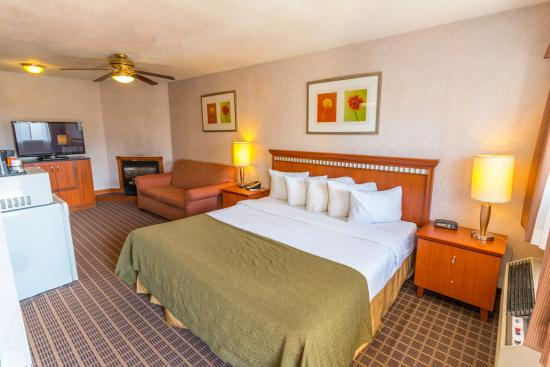 Quality Inn & Suites 1000 Islands Photo