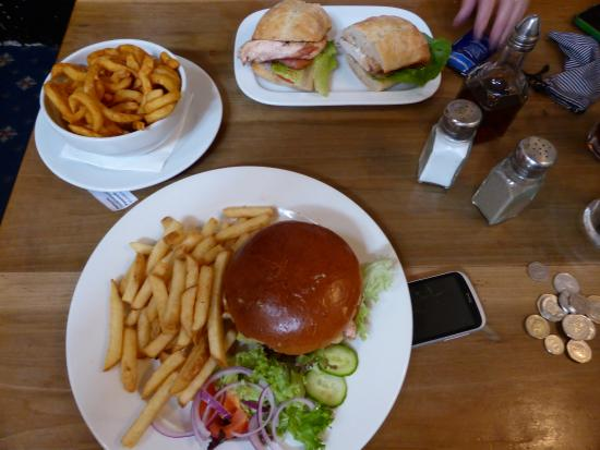 The White Hart: lunch time snack