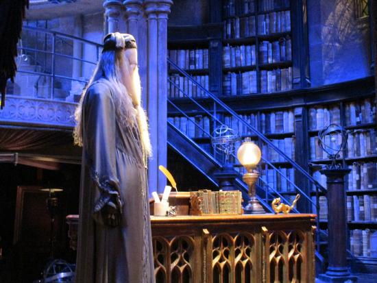 Le bureau dalbus dumbledore Изображение warner bros. studio tour