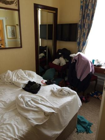 Classic Guest House : This was room number 4. It was very small. The en suite was even smaller!! But it was not a clea