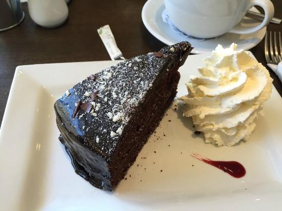 Mrs B's Coffee House: Schokoladenkuchen :-)