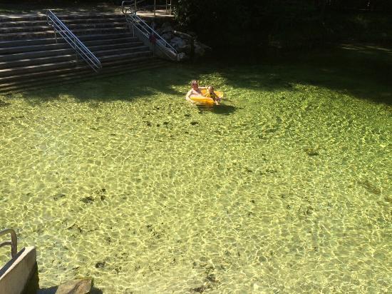 Poe Springs Park: green hue but lovely!