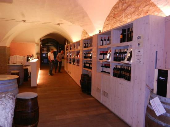 Castello di Meleto: The cellars and the wine shop are on your way out.
