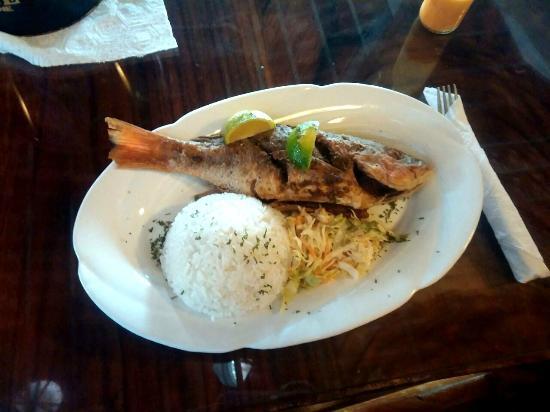 Buena comida picture of portobelo grill sabanitas for Comida buena
