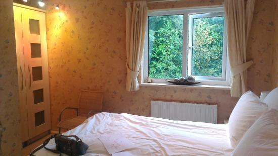 Topos Bed & Breakfast : view of room