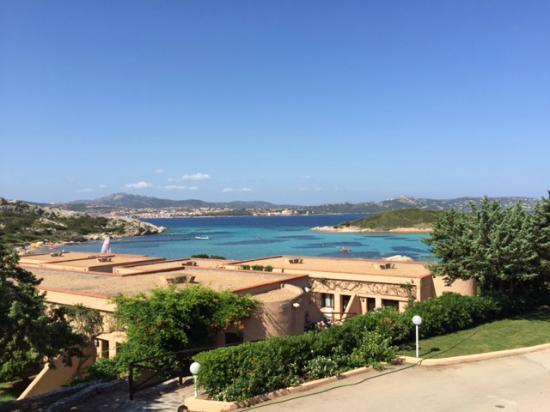 Santo Stefano Resort: il resort e la baia antistante