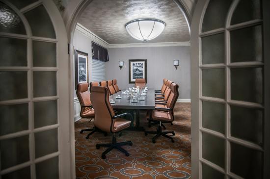 Hotel Alex Johnson Rapid City, Curio Collection by Hilton: Jefferson Room