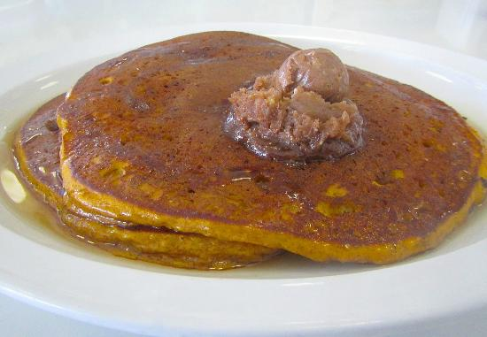 24th Street Cafe: Pumpkin Pancakes with Pecan Butter Topping!