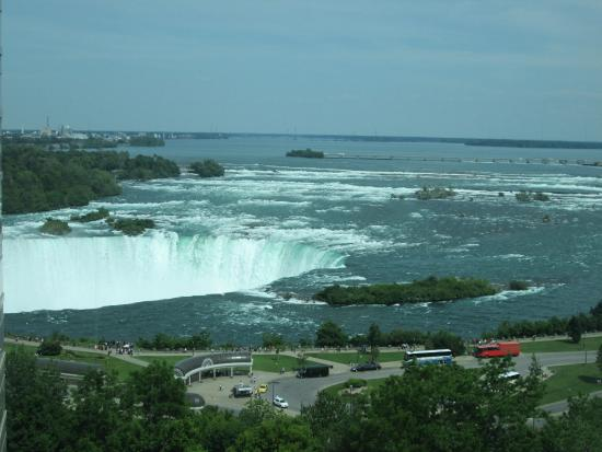 Radisson Hotel & Suites Fallsview: The view from our room - breathtaking !